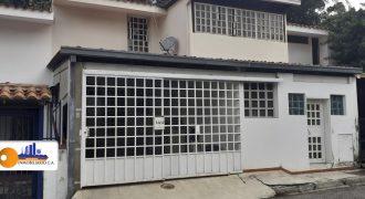 CASA EN TERRAZAS DEL CLUB HIPICO PARA VENTA